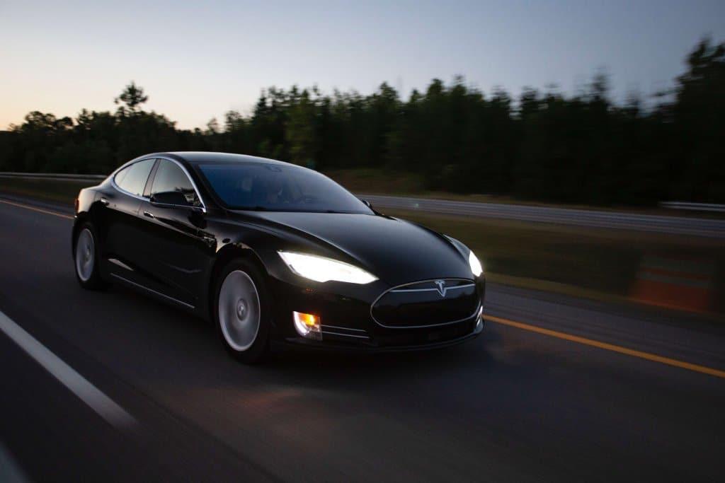 Schnell noch die Tesla Aktien kaufen?