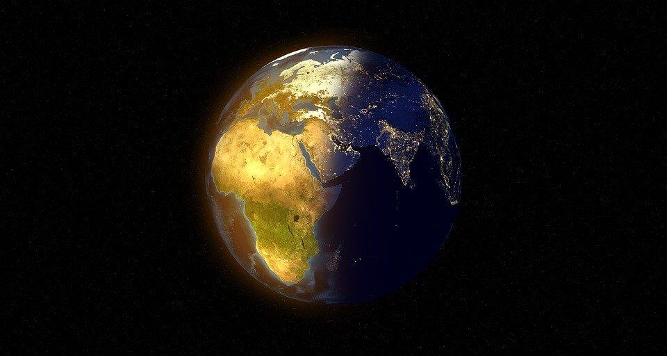 Die Zukunft - Erde bei Tag und Nacht